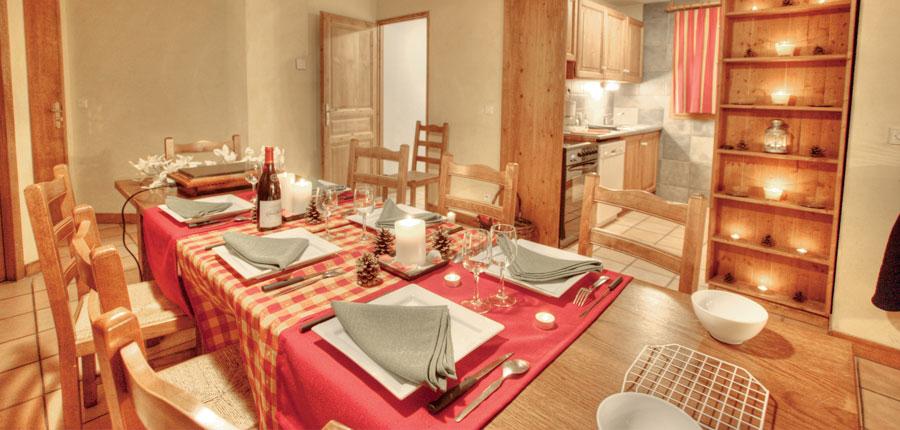 France_La-Plagne_Balcons-de-Belle-Plagne-Apartments_Dining-area-kitchen.jpg